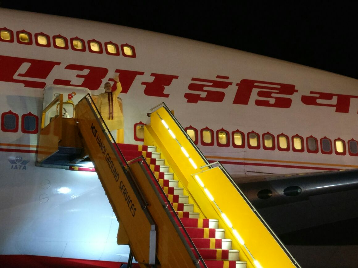 Modi reached at Hanoi Vietnam